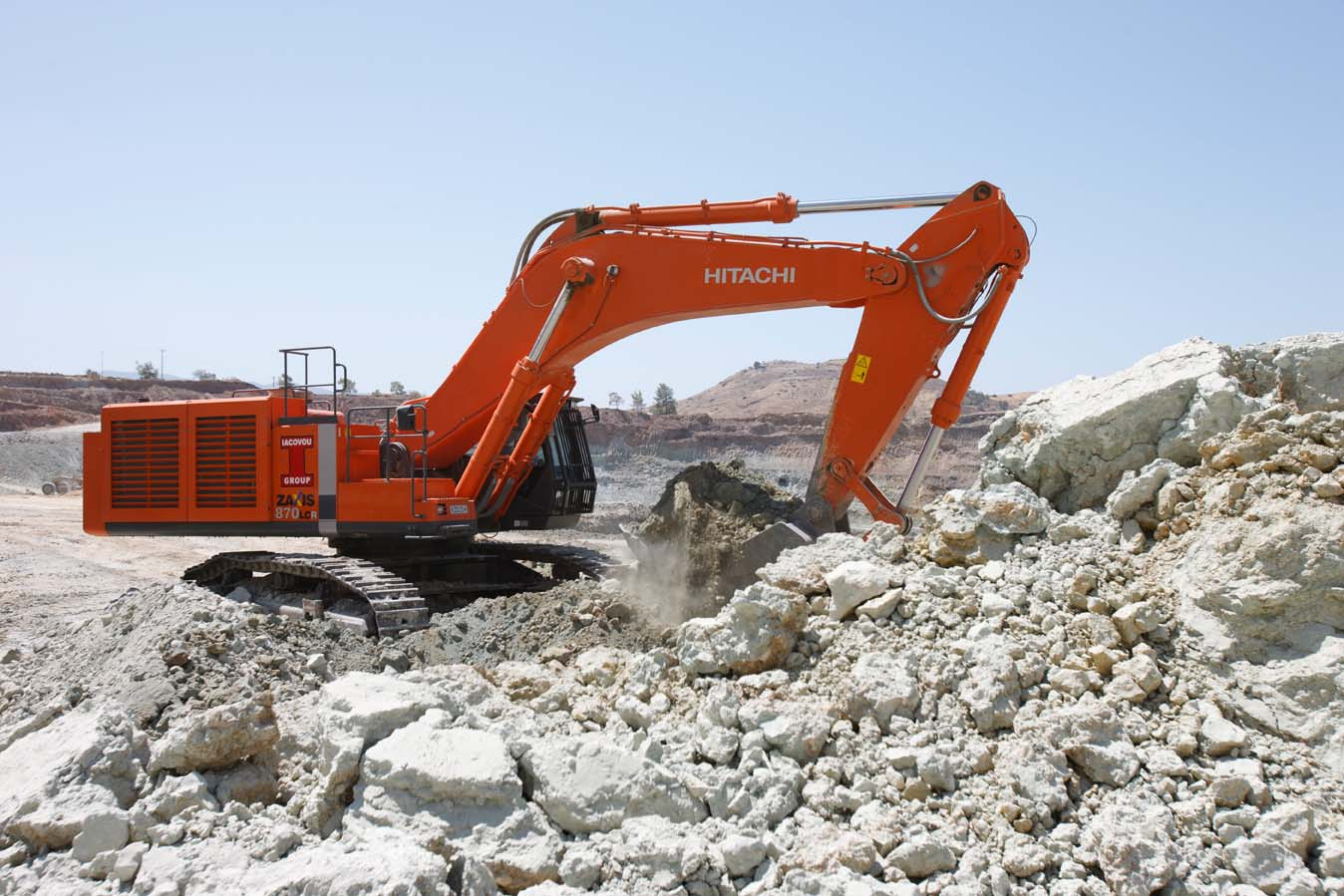crawler-excavators-zx-870-lcr-3-hitachi(1)